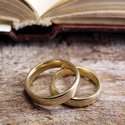 Where-does-the-wedding-ring-tradition-come-from